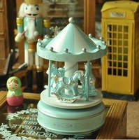 Wooden Music Box Carousel house Kids love Merry-go-round Wood Zakka Style Hand Cranked Home Decoration Castle in the Sky