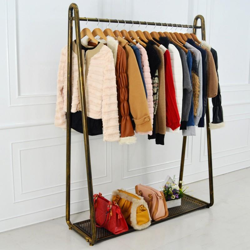 Compra muebles del dormitorio de hierro online al por - Percheros para colgar ropa ...