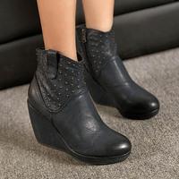 Vintage Pu Leather Platform High Heels Women Wedges Boots Fashion Rivet Side Zip Autumn Ankle Boots For Women Ladies Wedges Shos