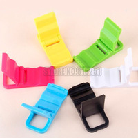 Manufacturers selling portable tablet computer support Mini Keychain mobile phone support wholesale
