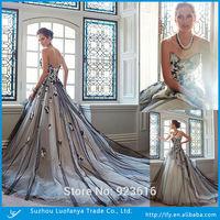 Custom made sweetheart sleeveless backless with lace appliqued tea length a-line wedding dress