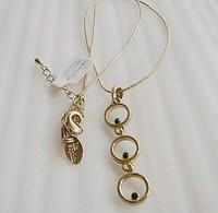 Gold Tone Pendant Necklace  ls