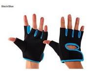 A pair of polyester Gym Half Finger Fitness Gloves biking gloves