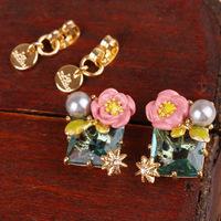 Free Shipping /L-E-S  N-EREIDES/  green crystal earring