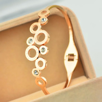 Famous Brand Cutout Round Circles Crystal Rhinestone Bangle Bracelet Stainless Steel Rose Gold Plated Hand Wrist Jewelry Women