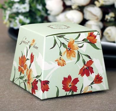 Wholesale - 50pcs Light Green trapezoid Flower Wedding Favor Candy Box Gift Box Jewelry Box(China (Mainland))