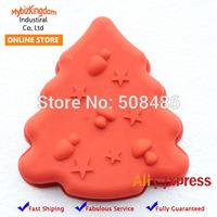 1 x Mini Christmas Tree Silicone Cake Baking Mold with Mushroom Decoration