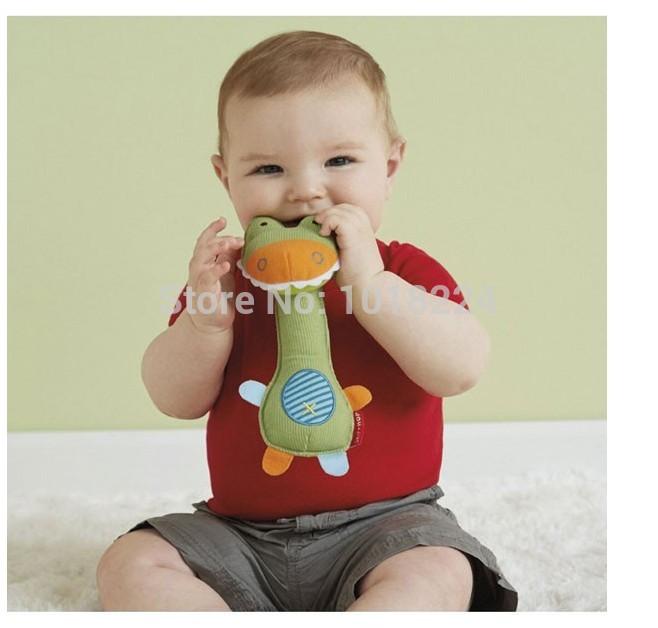 2014 Baby rattle toys animal designs plush baby boys girls toy Educational BB tattles giraffe monkey playgro Toys hand bell 1pcs(China (Mainland))