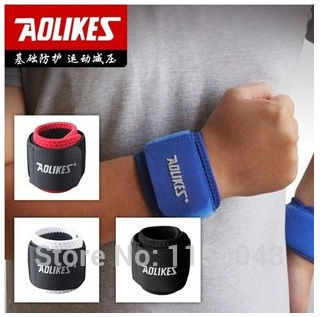 A PAIR Sports Wrist Basketball, badminton winding Bracers Breathable fitness weight lifting pressure Bracers+FREE SHIPPING(China (Mainland))