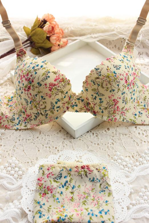 fashion sexy pretty girl's thin lingerie sets floral Seamless cute bra sets best famous cool bra and briefs underwear set(China (Mainland))