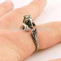 New Fashion Vintage Bronze Brass Knuckle Boho Chic Bronco War Horse Animal Wrap Mid Finger Ring Men Free Shipping