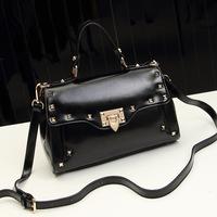 2014 New Arrival  Women Bags Vintage Messenger Bags for Lady New Designer Rivet Hand Bags Freeshipping BGA037