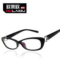 The spot wholesale 9135 flat mirror Oval Black Box high temperament spectacles for male and female factory direct