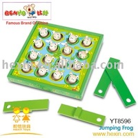 <BENHO/HIGH QUALITY WOODEN TOY>wooden jumping Frog game