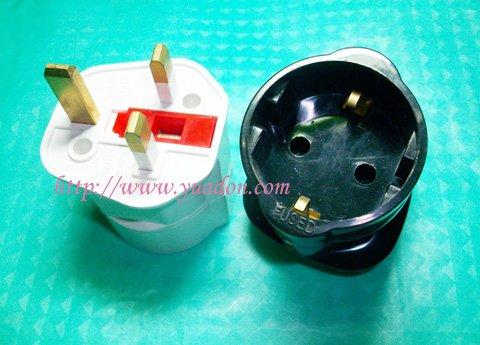 UK to EU plug with fuse/Euro to HK adaptor with fuse/Malaysia travel universal socket(China (Mainland))
