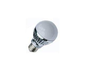 E27 base 5*1W led bulb;cool white;P/N:QP3W021