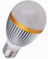 E27 base 5*1W led bulb;cold white;P/N:QP3W022