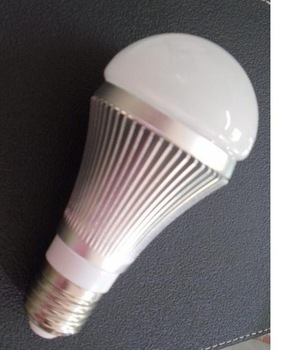 E27 base 5*1W led bulb;cool white;P/N:QP3W024
