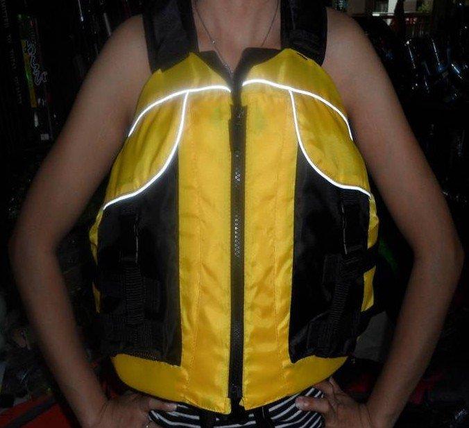free shipping Canoe, kayak, inflatable boat, drifting life jacket (with rescue whistle)(China (Mainland))