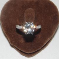 2 karat Ultrawhite Moissanite Women's Ring Hot-selling Natural Genuine 18K Platinum Elegant Finger Ring