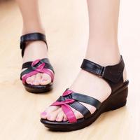 2014 summer genuine leather open toe shoe flat comfortable female sandals quinquagenarian women's shoes mother shoes