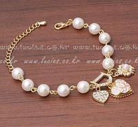 2014 FASHION jewelry accessories bracelets wholsale pearl bracelet female exquisite rhinestone heart pendant bracelet female
