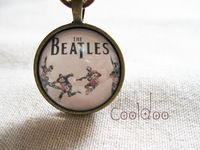 Free shipping Rock band The beatles zinc alloy glass retro necklace for fans