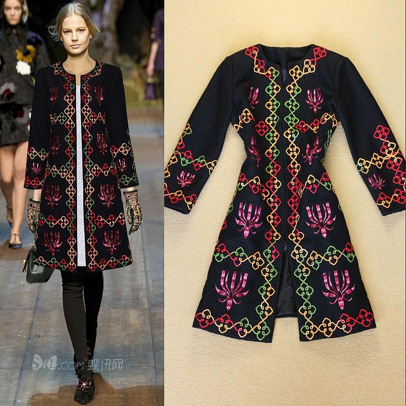 Пальто с вышивкой италия