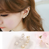 Free Shipping! Korean Fashion Temperament Sweet Exquisite Pearl Crystal Cubic Zircon Diamond Earrings  Ear Clip For Women  B094