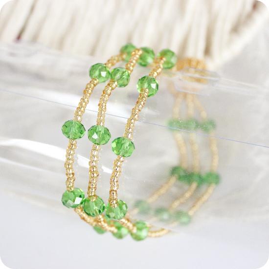 Handmade crystal knitted bracelet night market(China (Mainland))