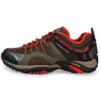 2014 new non-slip breathable waterproof outdoor shoes hiking shoes men shoes. 8036