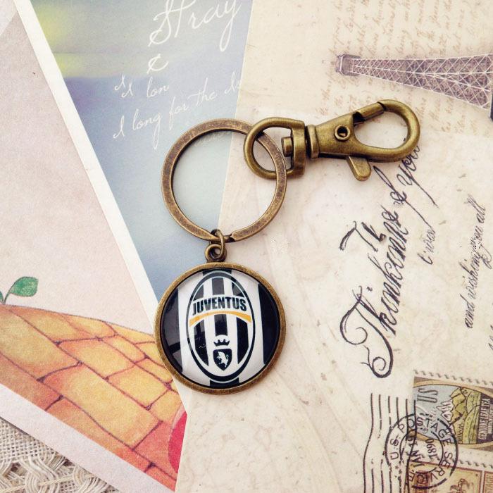 Hot Sale! New Fashion Juventus Key Ring Soccer Team Retro Key Chain Metal Bronze Juventus Pendants Accessories(China (Mainland))