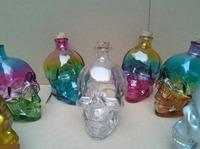 Holiday decoration skull glass bottle decanters seal wine bottle 400ml glass bottles gifts decorate factory wholesale