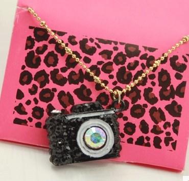 3pcs Free Shipping! Elegant Brand Design Black Crystal Camera Pendant Necklace(China (Mainland))