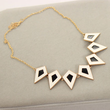 The European Bohemia Style Exaggerate Fashion Stereoscopic Oil Bake Rhombus Short Necklace for Women Chain Jewelry
