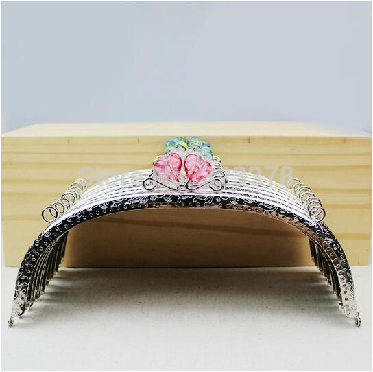 5pcs/lot,2.4cm,Retro Bronze Embossed Purse Bag Metal Frame Heart Crystal Handle Holder Kiss Clasp DIY Bag Accessory Sewing Craft(China (Mainland))