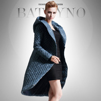 Hot Selling Winter Designer Fashion Women's Luxury Quilted Slim Down Coat Hooded Outwear  F16483
