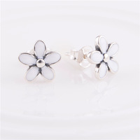 925 Sterling Silver Dangle Earring Beautiful Daisy Flower Design ER103 Drop Earrings suitable for Pandora DIY Jewelry Charms