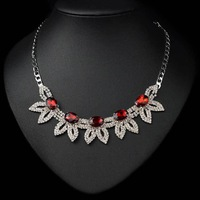 N-Z New Arrival Hot Seller Crystal Pendant Necklace for Women Geometric Shape Jewelry with Rhinestones Gold Plated JS-NZ0047