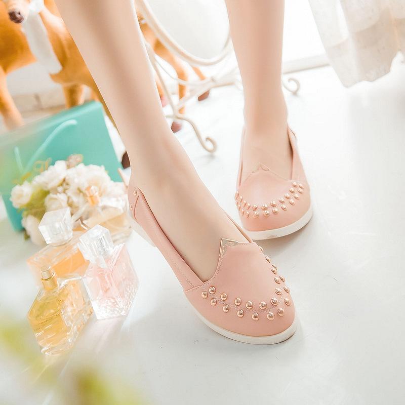 a queda de simples de atacado pequena cabeça arredondada sapatos rebite sapatos casuais com baixo l45-0a multicolor(China (Mainland))