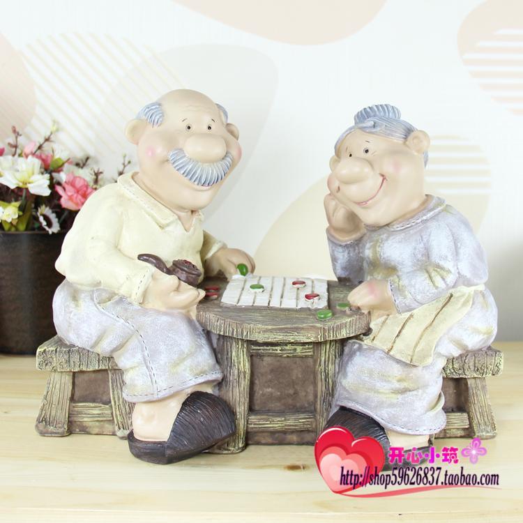 O envio gratuito de idosos idosos idosos casal jogando xadrez ornamentos artesanato acessórios para(China (Mainland))