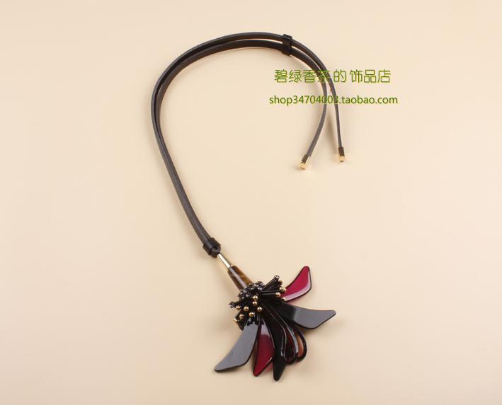 resina flor cravo letze couro long design três- cor longo colar m para ar ni(China (Mainland))