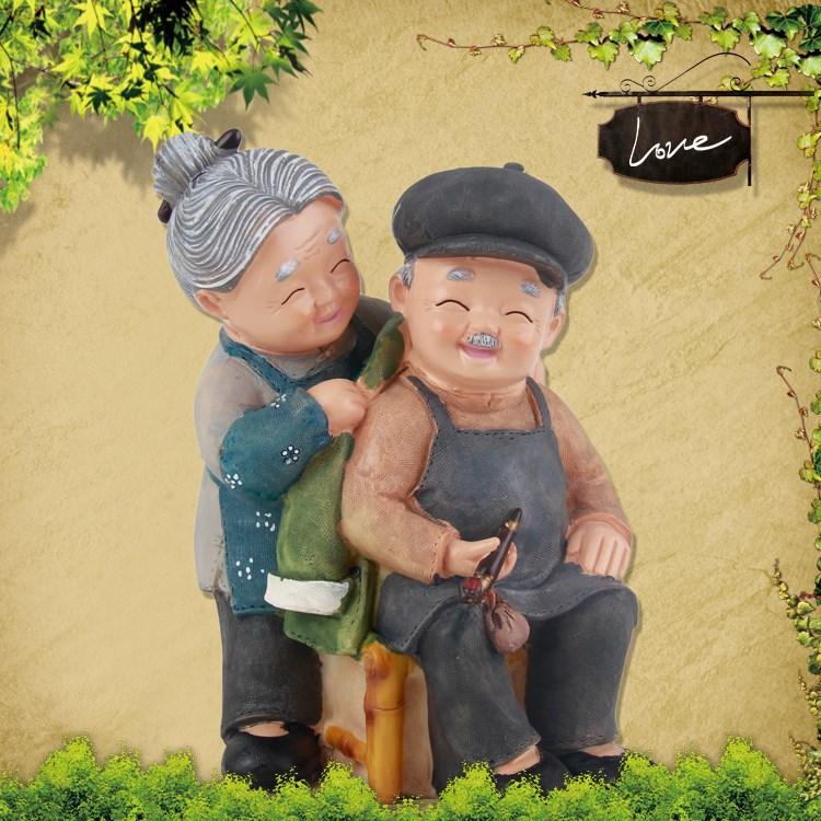 Frete grátis! Feliz casal de idosos latas de dinheiro para acompanhar o pote de dinheiro piggy romântico grandm avós e mobiliário(China (Mainland))