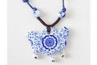 2014 New arrival Ceramic Pendant Necklace Printed with Blue Flower Sweater Chain Free shipping
