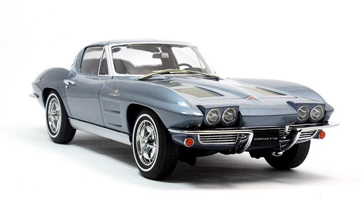AUTOart 1:18 Chevrolet Corvette 1963 COUPE blue retro car model / collection(China (Mainland))
