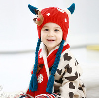 2014 Fashion Cartoon deer style boys Knitted hats winter 2 pcs baby girl scarf hat fur set Age for 8 months-3 Years Old