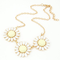 2014 Rushed Pendant Necklace Collar Fashion Metal Fresh Small Daisy Flowers Necklaces Pendants For Women Sweater Chain Jewelry