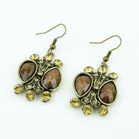 Free Shipping+No Minimum Spending&Palace retro shape earrings alloy