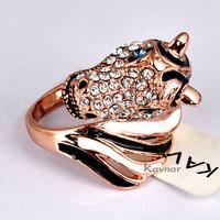 Kavnar Jewelry Animal Design Black and White Enamel Horse Ring R3838