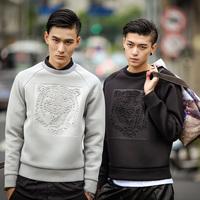 Autumn winter Men neoprene Tiger embossed fashion design O-neck structured sweatshirt pullover sweatshirts tops N15061